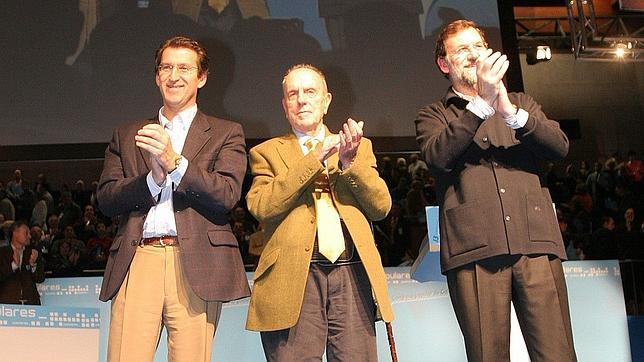 En enero de 2006, Fraga entregaba el testigo del PP gallego a Feijóo, arropado por Mariano Rajoy