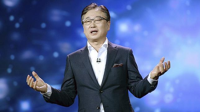 Boo-Keun Yoon, presidente y consejero delegado de Samsung Electronics