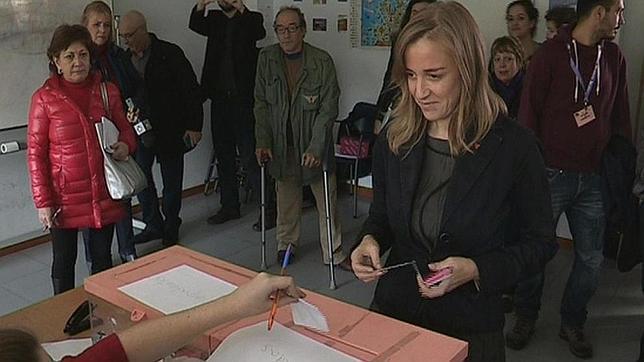 Tania Sánchez votando en las primarias de IU Madrid, en las que se impuso