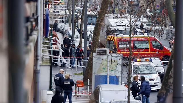 Imágenes de los instantes después del tiroteo en el sur de París