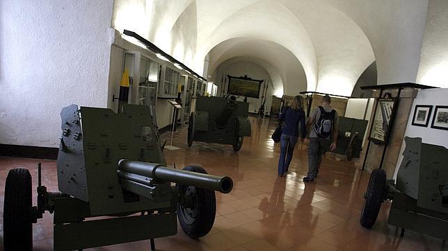 El nuevo Museo Militar buscará reagrupar la colección que el Ayuntamiento dejó escapar