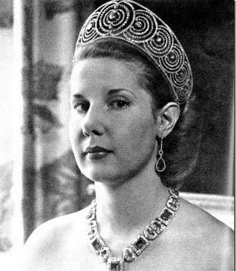 Doña Cayetana con la tiara
