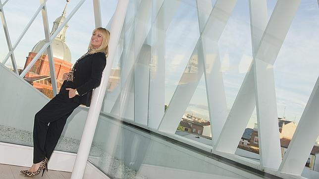Bárbara Rey posa en el museo ABC