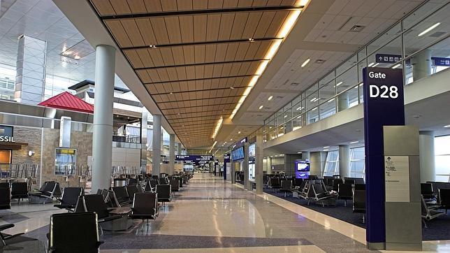 El Aeropuerto De Dallas Busca Tiendas Y Restaurantes De Lujo