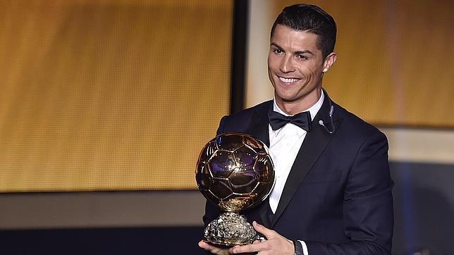 Cristiano Ronaldo gana su tercer Balón de Oro, a uno de Messi