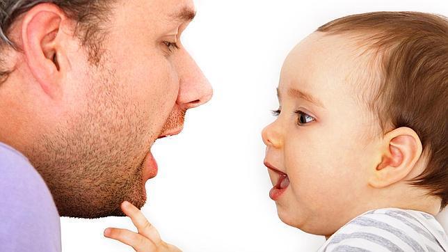 Por qué los padres usamos otro tono cuando hablamos con bebés