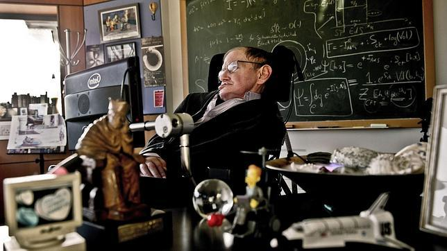 Stephen Hawking, en su despacho de la Universidad de Cambridge