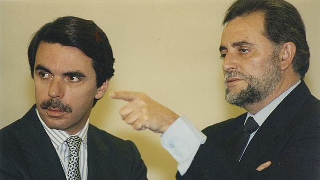 Aznar y anguita, en el Congreso de los Diputados el 6 de diciembre de 1994