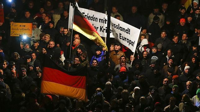 Islamófobos alemanes retoman las calles de Europa