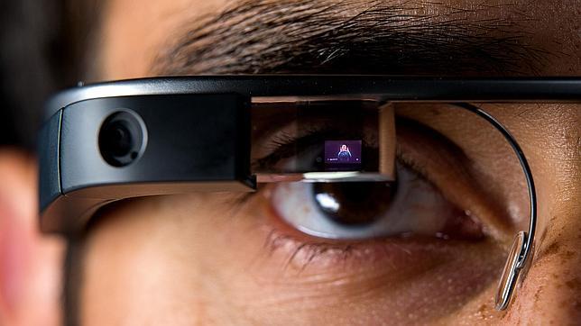 Detalle de las gafas de realidad virtual Google Glass
