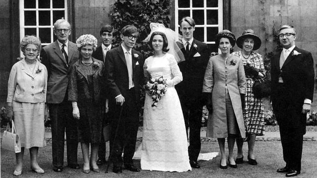 «Hacia el infinito»: Veinticinco años durmiendo con Stephen Hawking