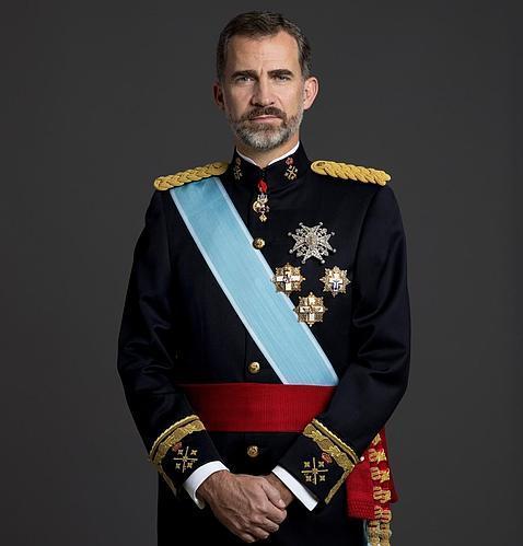 El Rey Felipe VI con el uniforme de gran etiqueta de capitán general del Ejército de Tierra