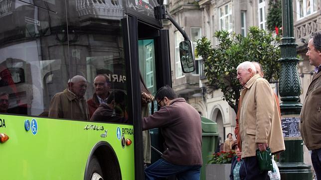 Usuarios del transporte público olívico