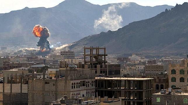 Los rebeldes huthis rodean el palacio del primer ministro yemení