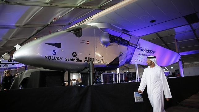 El avión solar, listo para dar la vuelta al mundo