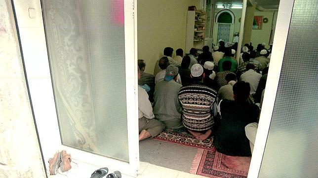Un grupo de fieles de Tudela alerta a la Policía del radicalismo de un imán