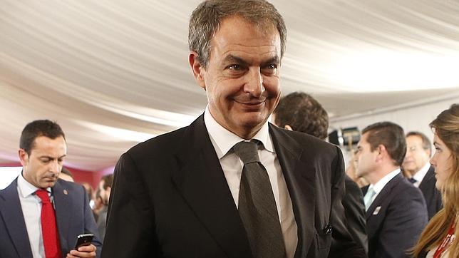Zapatero avala a Susana Díaz, «a gran distancia, la mejor gobernante actual»