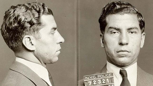 Ficha policial de Lucky Luciano en Nueva York