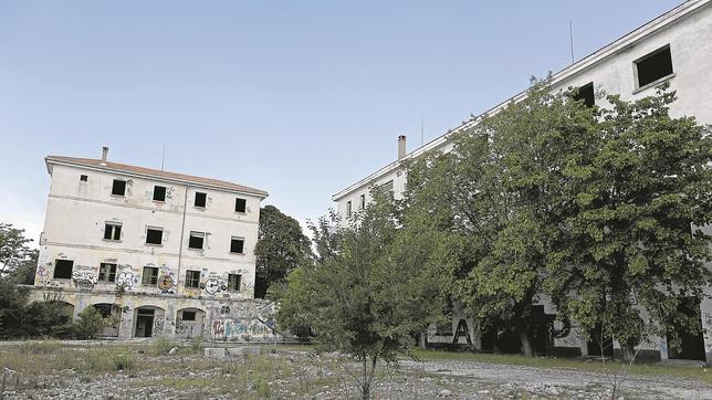 Los cuarteles de Campamento, en desuso desde hace décadas