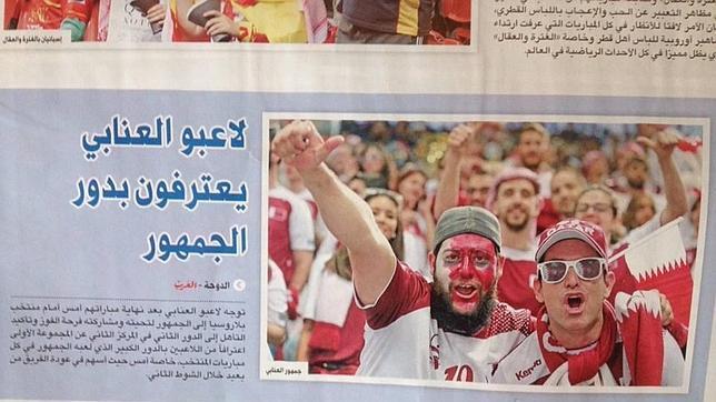 Algunos de los aficionados conquenses han salido en la portada del periódico más importante de Doha