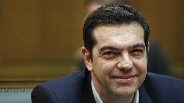 Tsipras durante la primera reunión con el nuevo gobierno griego