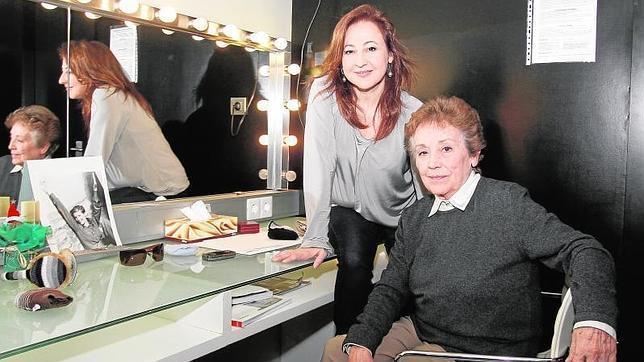Carmen Machi y Amparo Baró, en el camerino del teatro