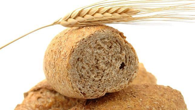 Los cereales integrales conservan la cáscara y, por tanto, son más ricos en fibra