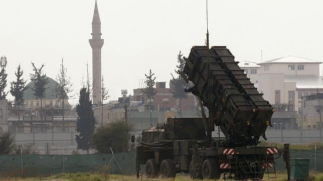 Un lanzador de la batería Patriot española en las inmediaciones del aeropuerto de Adana, en el sur de Turquía