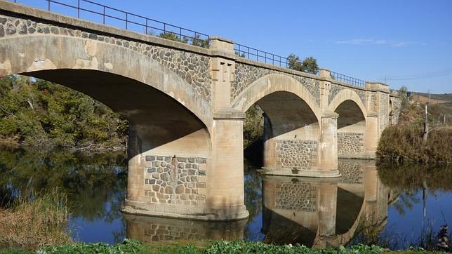 Puente de la vía Toledo-Bargas sobre el río Tajo