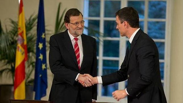 Rajoy y Sánchez sellan el pacto en el Palacio de la Moncloa