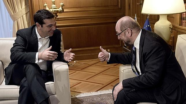 Alexis Tsipras, en su encuentro con el presidente del Parlamento Europeo, Martin Schulz, en Atenas