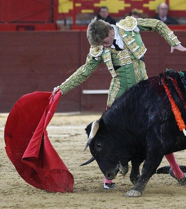 Borja Jiménez y Martín Escudero comienzan triunfando en Valdemorillo
