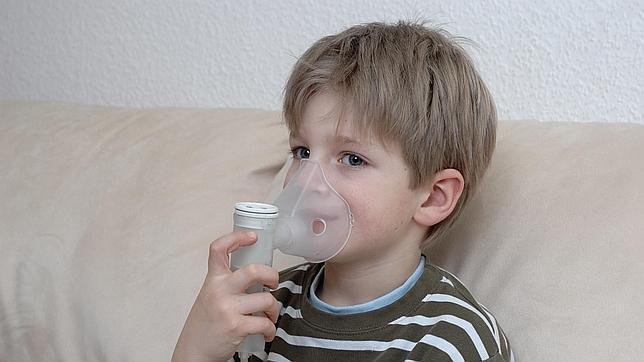 Ante una reacción alérgica, vigila la respiración de la víctima