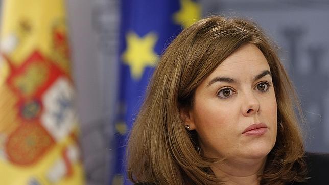 Santamaría: Podemos pide un adelanto electoral para que no dé «tiempo a que les conozcan»