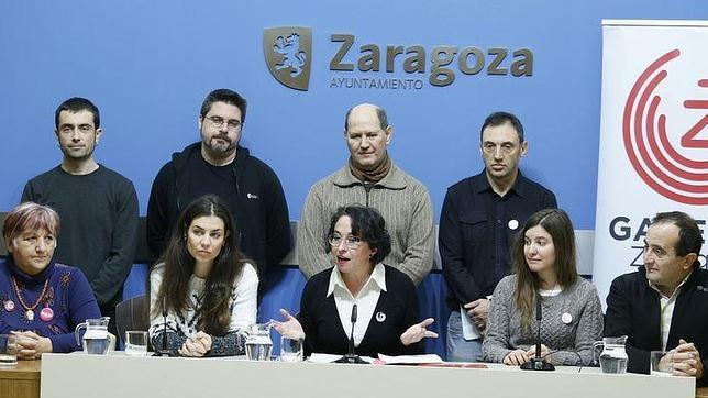 La amalgama de partidos en torno a Ganemos se ha presentado en la propia sede del Ayuntamiento de Zaragoza
