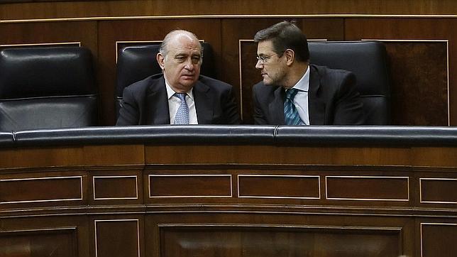 Show anti bipartidista en el congreso de los diputados Quien es el ministro de interior y justicia