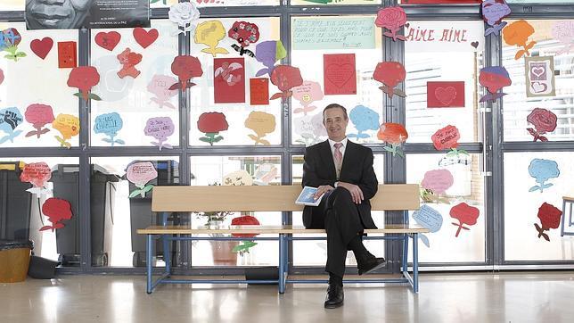 Este docente lleva más de treinta años dedicado a la educación