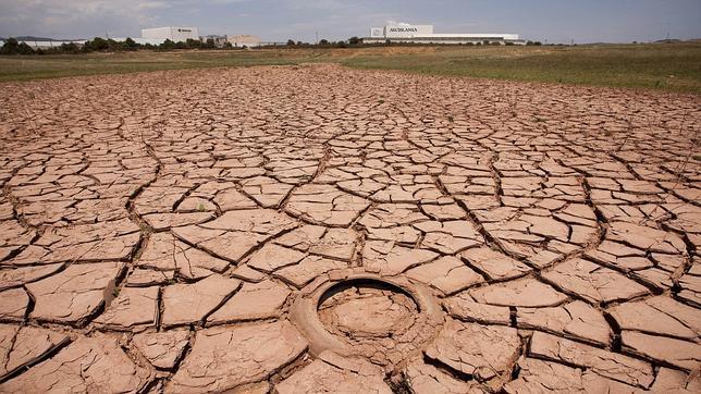 Imagen del pantano de María Cristina de Castellón, que se ha quedado totalmente seco