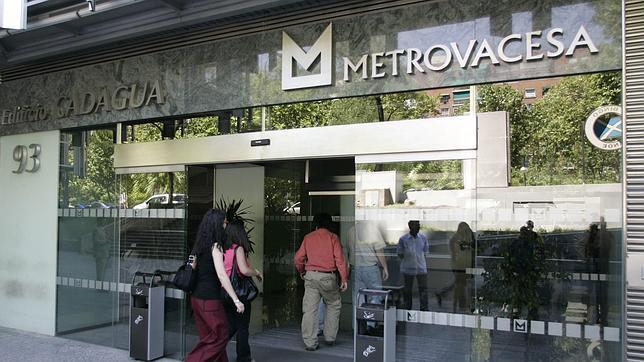 Banco santander logra la luz verde de la cnmc para for Inmobiliaria del banco santander