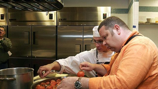 Contratar un chef a domicilio puede llegar a costar casi 200 euros dependiendo del menú acordado