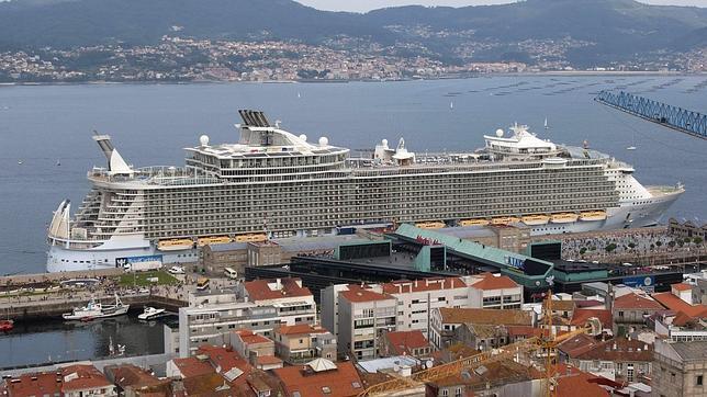 El puerto de vigo lider el tr fico de cruceristas y de - Puerto de vigo cruceros ...