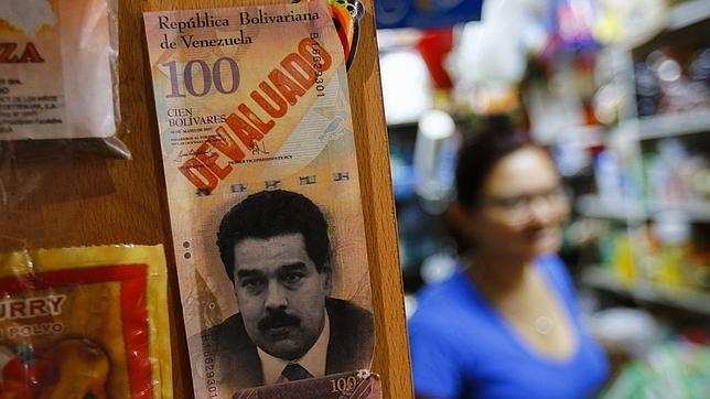 Venezuela - 1 caramelo cuesta más que 1 litro de gasolina