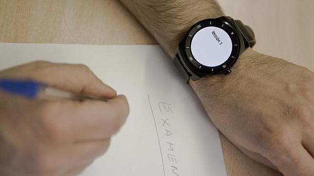 Prohibido llevar el «smartwatch» a los exámenes de la universidad