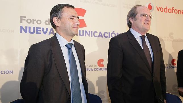 Giménez Barriocanal, presidente y consejero delegado de COPE, y el exministro de Educación Ángel Gabilondo,