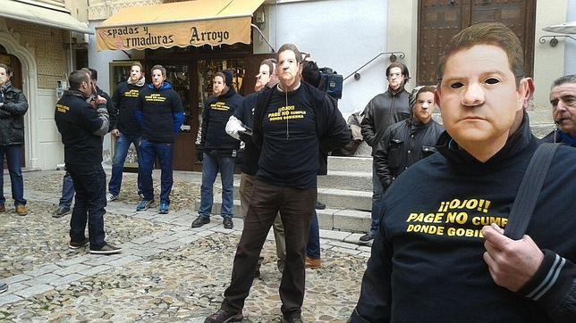 Policías locales de Toledo protestan contra el equipo de Gobierno