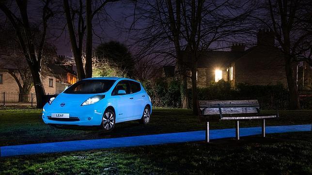 La pintura nocturna tendría una duración de 25 años, según Nissan.