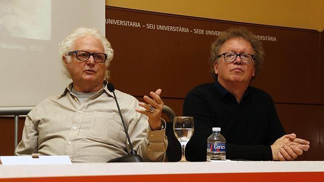 John Strasberg (izquierda), junto a John Sanderson, el director académico del master de la Universidad de Alicante