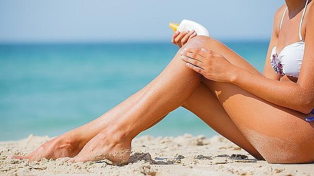 Los rayos ultravioletas del sol dañan la piel horas después de la exposición