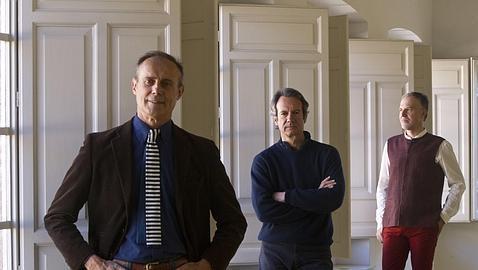 Paco Carvajal, Cristian Domecq y Pedro Oriol en el Museo ABC