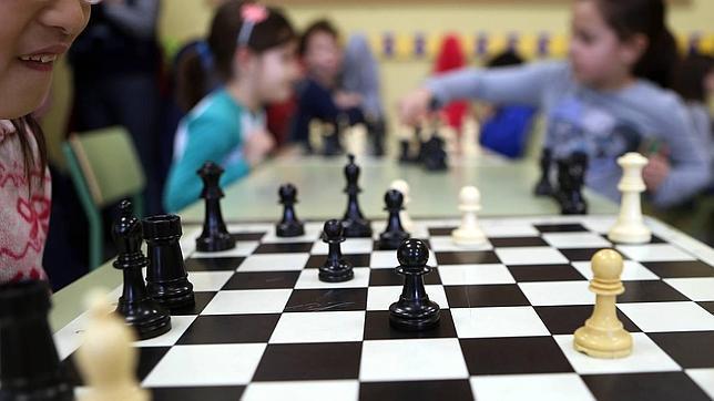 Esto es lo que aportar el ajedrez a tu hijo cuando se - Pisos para una persona madrid ...